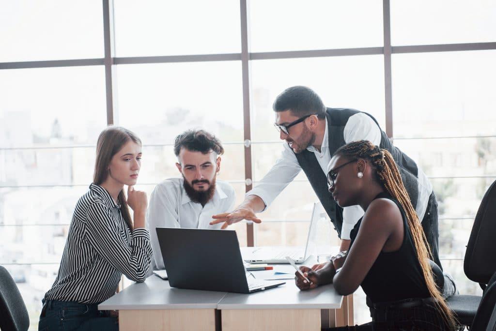 Trabalho - Gestão financeira - Administração - Empreender